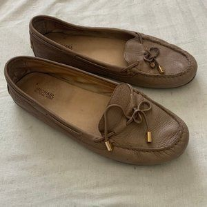 Michael Kors Daisy tan leather driving loafers 9